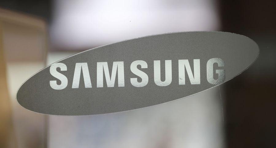 Самсунг запатентовала обернутый в дисплей смартфон