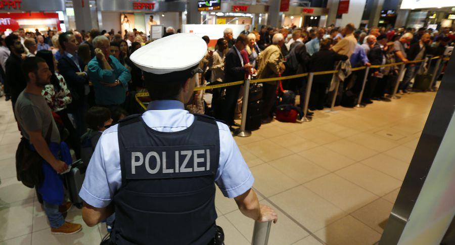 ВГермании из-за экстренной посадки самолета аэропорт вКельне закончил принимать рейсы