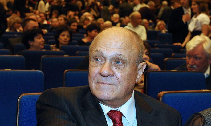 Кинорежиссер Владимир Меньшов доставлен в клинику в столицеРФ