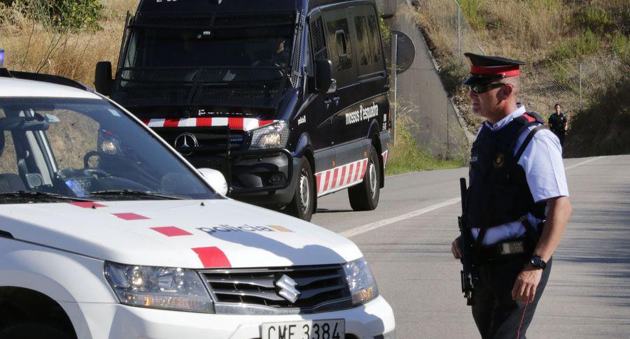 Милиция  задержала подозреваемого всовершении теракта вБарселоне
