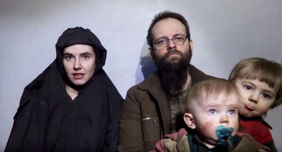 Исламабад освободил изплена американо-канадскую семью вместе сдетьми