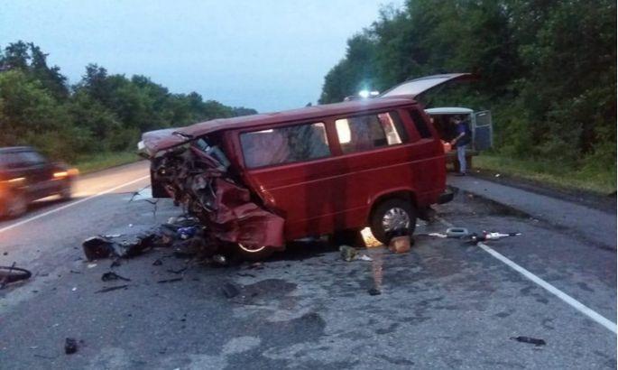 Восемь человек погибли и двое ранены в ДТП под Воронежем