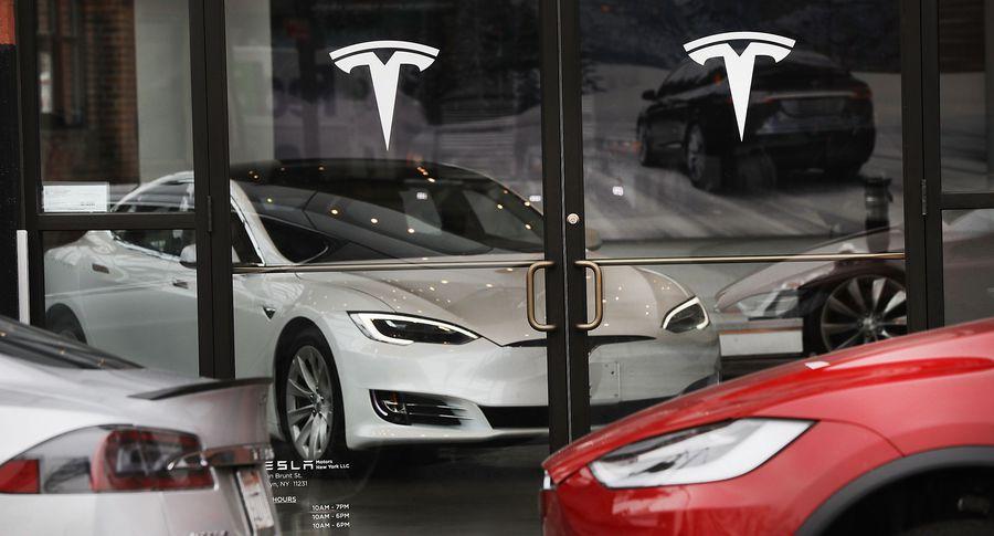 Прибыль Tesla неменее чем удвоилась вIквартале