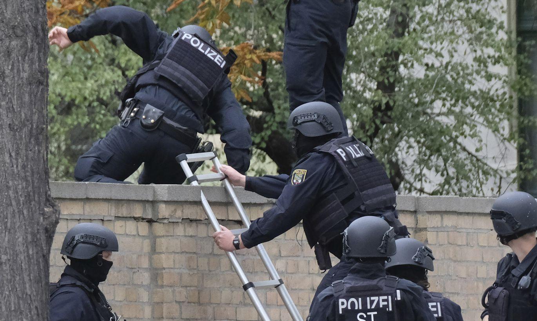 Saksa politsei otsib taga tulirelvadega sünagoogi rünnanud isikuid