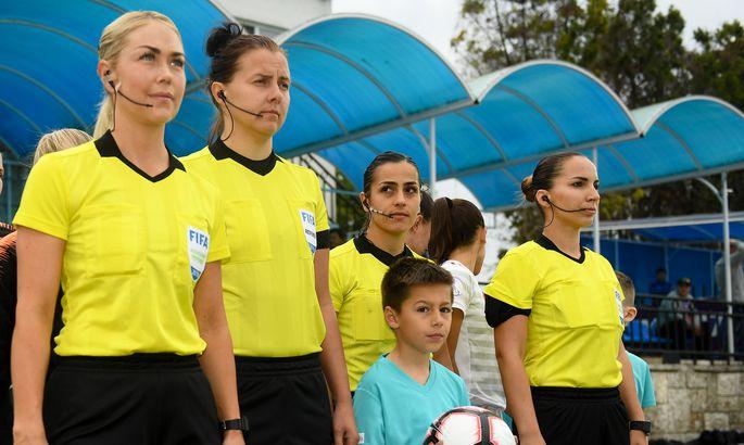 cb1af5eeab4 Reelika Turi (vasakult teine) U17 Euroopa meistrivõistluste poolfinaalis  Hispaania - Holland. FOTO: UEFA