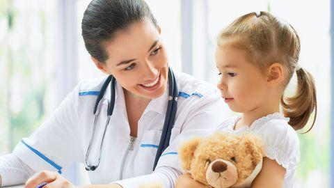 Arst ja tüdruk. Pilt on illustreeriv