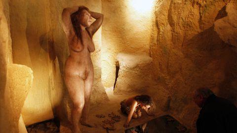 Neandertali naise kuju evolutsiooniteooriat käsitlevas muuseumis Horvaatias.