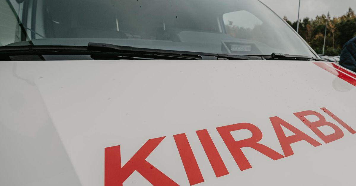 Kiirabi viib haiglast välja kirjutatud koroonapatsiendid tasuta koju