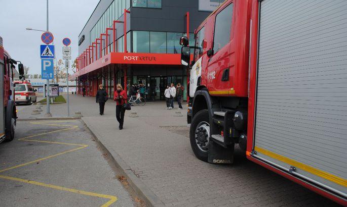 f55a4b71864 Päästjate saabumine lõi laupäevase ostlemisrütmi küll veidike sassi ent  inimeste evakueerimiseni asi siiski ei läinud.