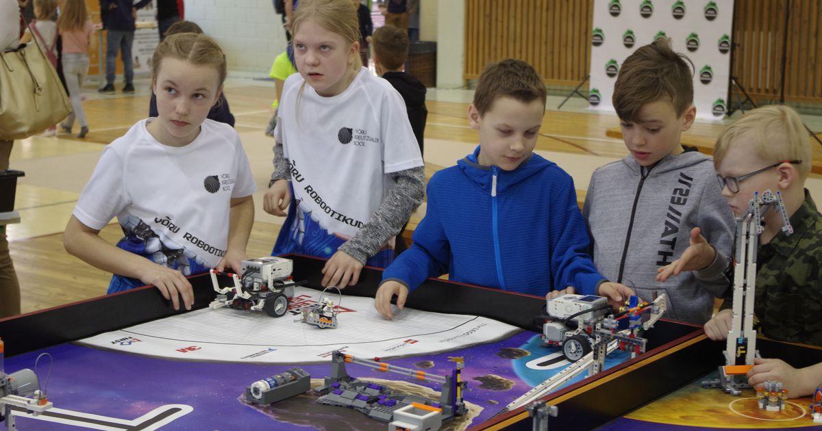 VIDEOLUGU: Koolis valmistati päevaga mitukümmend robotit