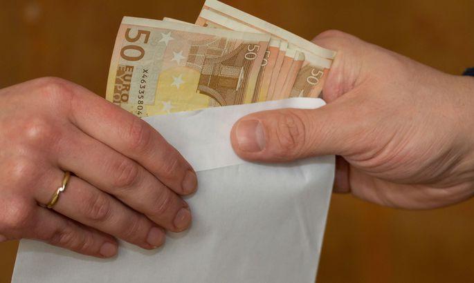 5a45bf267c0 Lugeja küsib: mida teha, kui tööandja maksab osa palka mustalt ...