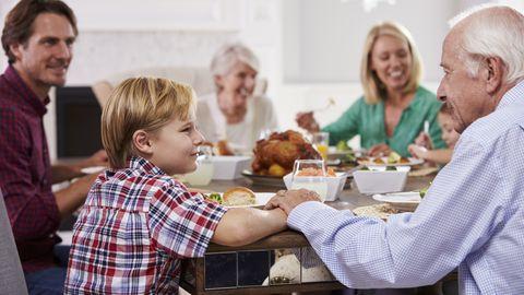 DASH dieet sarnaned Vahemere dieedile, kuid soovitatakse vältida ka alkoholi ja rasvaste piimatoodete tarbimist.