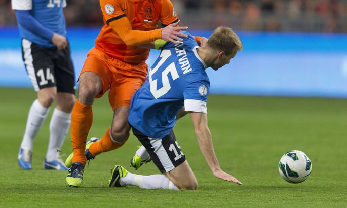 9f002998f61 Eesti jalgpallikoondise kapten Ragnar Klavan (nr. 15) kohtumises Hollandi  vastu.