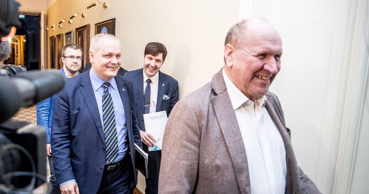 Fotod: kolme erakonna delegatsioonid kogunesid õhtustele kõnelustele