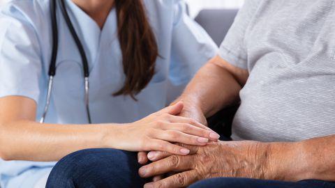Eesnäärmevähi varane avastamine sõltub kasvaja esmaste haigusnähtude tundmisest ja kohesest arstile pöördumisest kasvajale viitavate haigusnähtude esinemisel. Kindlasti ei tasu loota iseenda tarkusele.