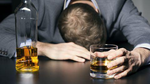 Pole haruldane, et kehv enesetunne tekib juba õhtul alles alkoholi tarbides.