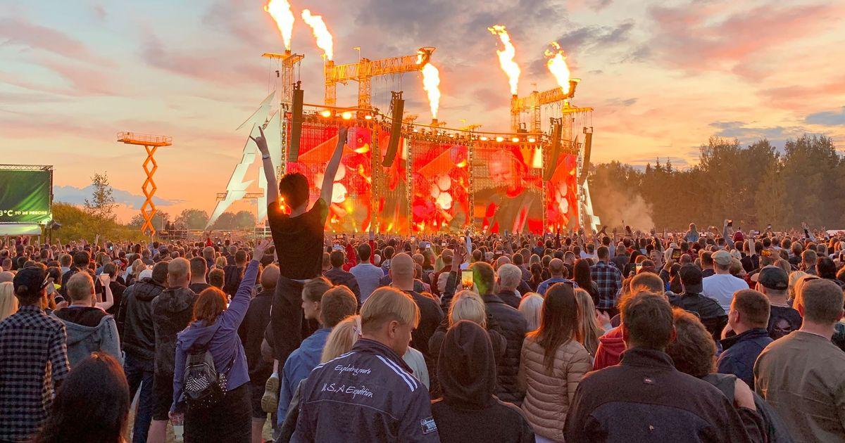 Metallica kontserdi blogi: kontsert sai läbi, aga pidu kestis edasi! Peomeeleolus rahvas valgus Raadilt alla, üles võeti ka lauluviis