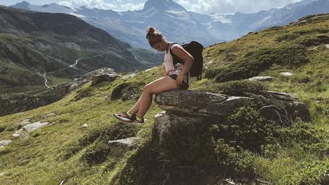 Gretel Murd Šveitsis mägesid vallutamas.