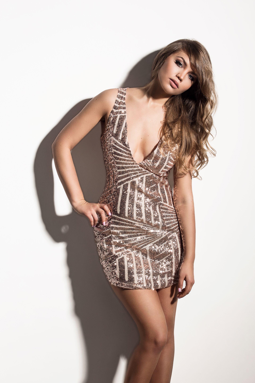 beeef97ceb6 Helen leiab, et naisi kritiseeritakse nii selle eest, et nad kannavad liiga  vähe kui liiga palju riideid.