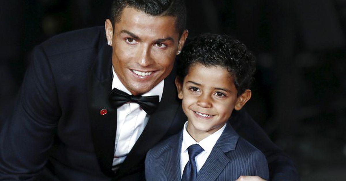 Мальчика футболист назвал матео, а девочку — евой.