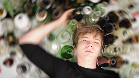 Noor ja alkohol.