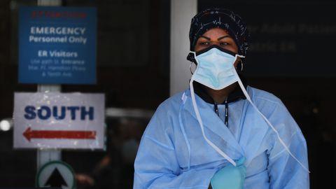 Tervishoiutöötaja New Yorgis.