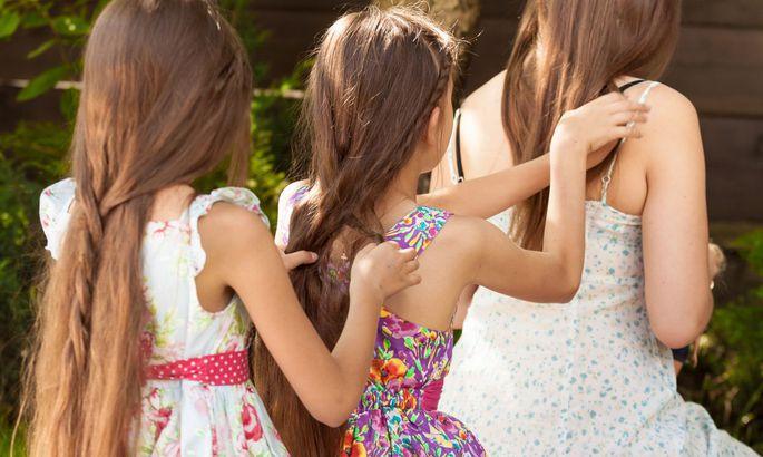 5ae9a0e9873 Naiste kõige veidramad trikid, kuidas panna juuksed kiiremini ...