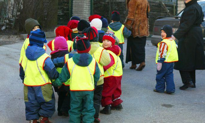 c316df84002 Tallinn annab esimese klassi lastele helkurvestid - Tallinn ...